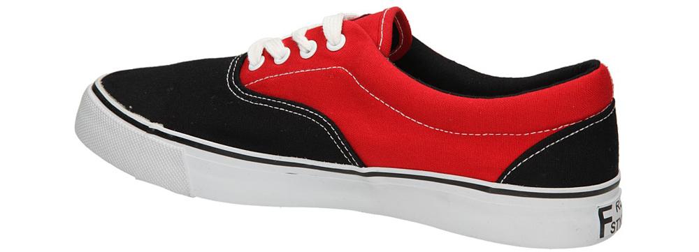 TRAMPKI CASU 412-1 kolor czarny, czerwony