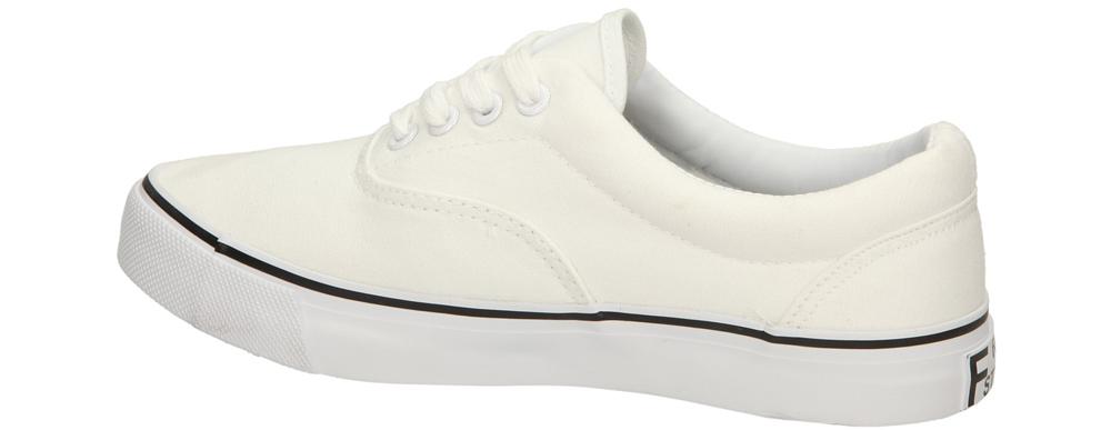 TRAMPKI CASU 412 kolor biały