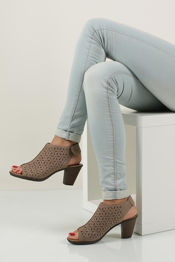 Sandały skórzane ażurowe na słupku Rieker 64196 wierzch skóra naturalna - licowa