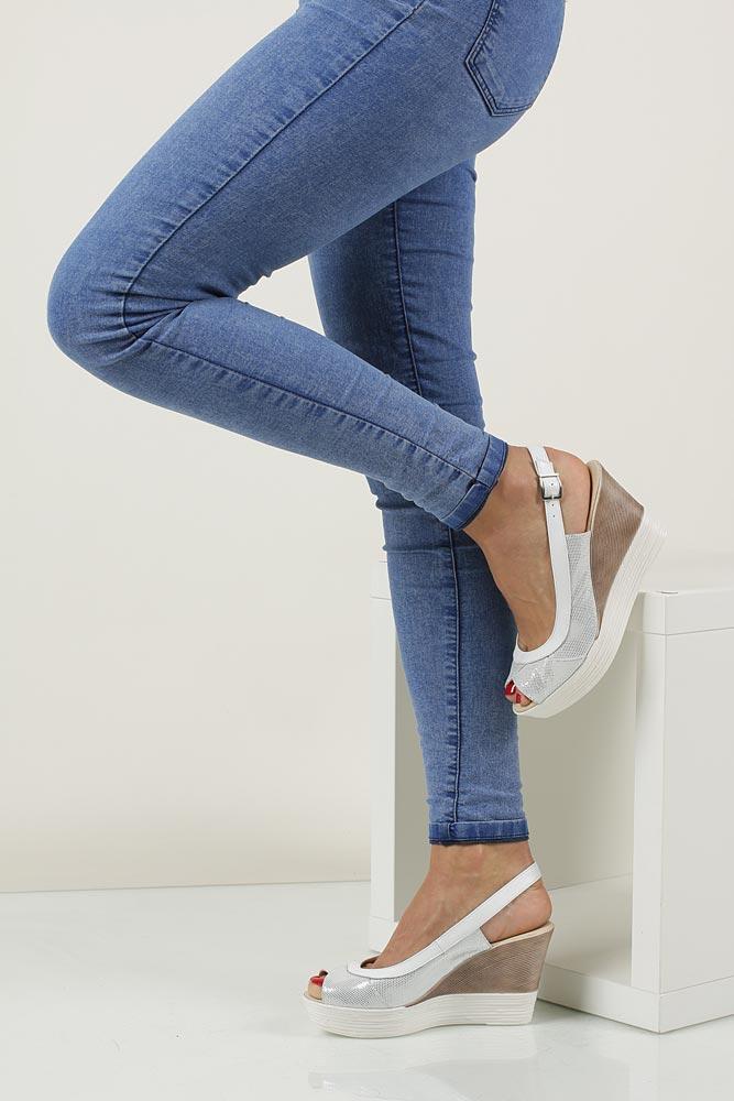 Sandały na koturnie Casu 3907 model 3907