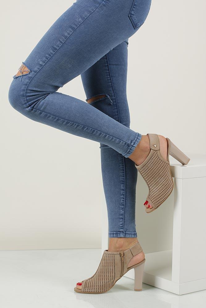 Sandały ażurowe na słupku Casu 302 model 302