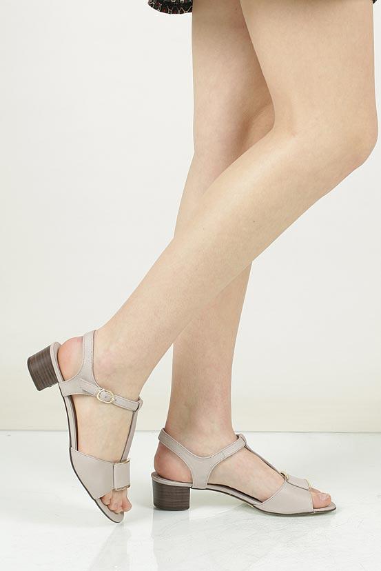 Sandały skórzane na słupku Nessi 43203 nosek_buta zaokrąglony
