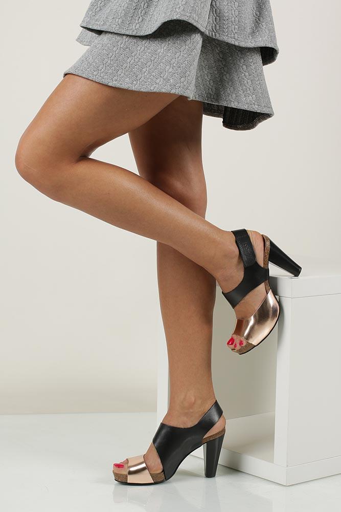 Sandały skórzane na słupku Nessi 42103 model 42103