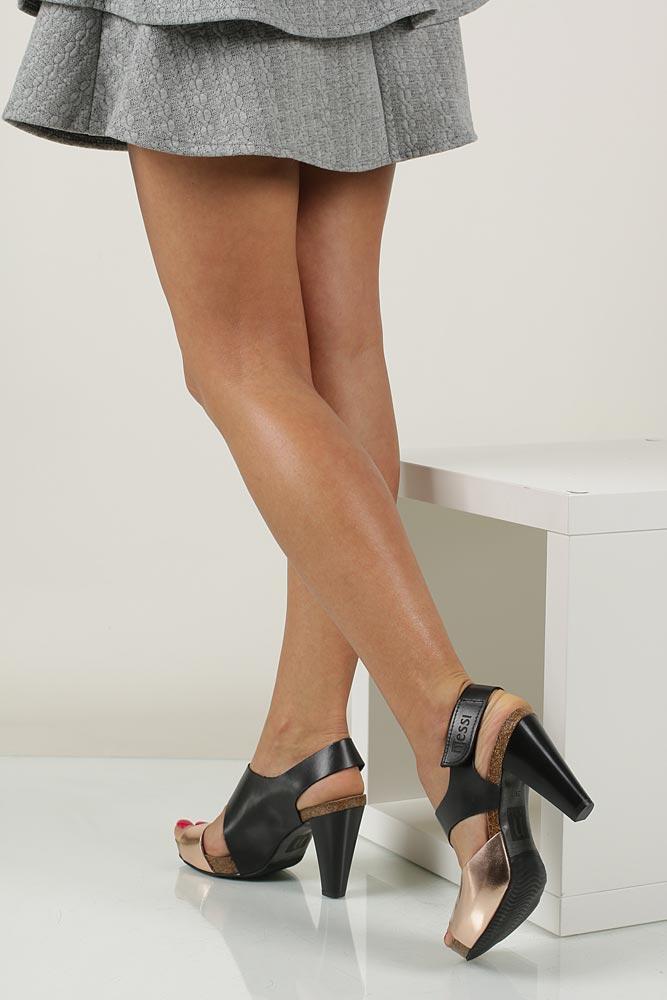 Sandały skórzane na słupku Nessi 42103 nosek_buta otwarty