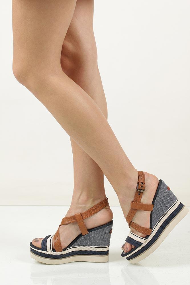 Sandały na koturnie Wrangler Kelly Cross WL171664