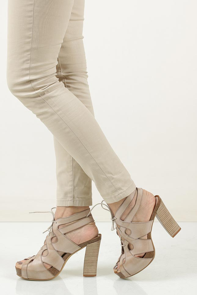 Sandały skórzane ażurowe Ana Roman 17343