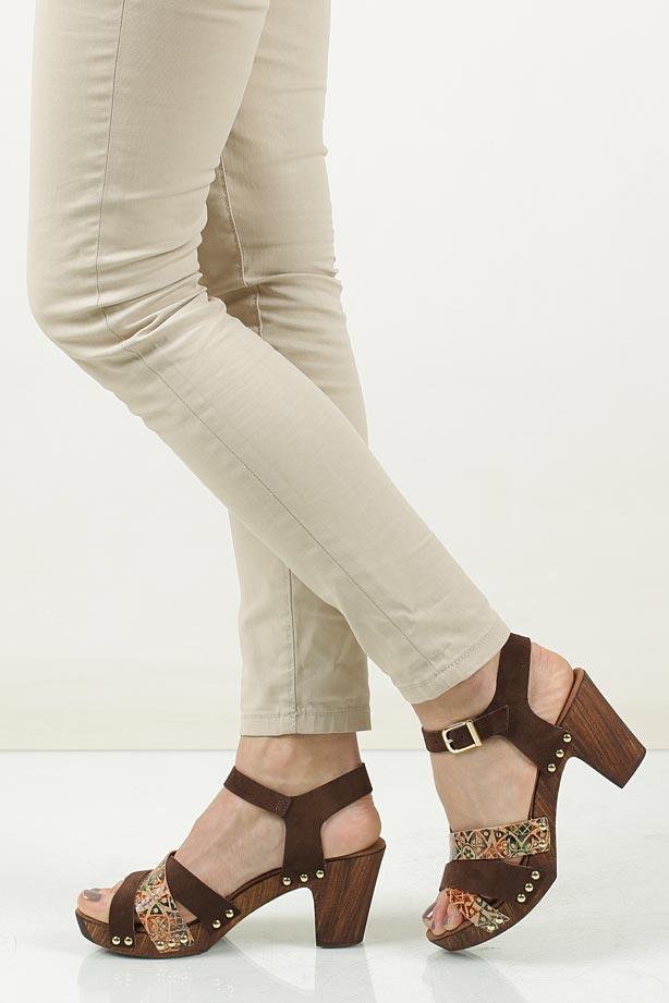 Sandały brązowe skórzane Tamaris 1-28356-28