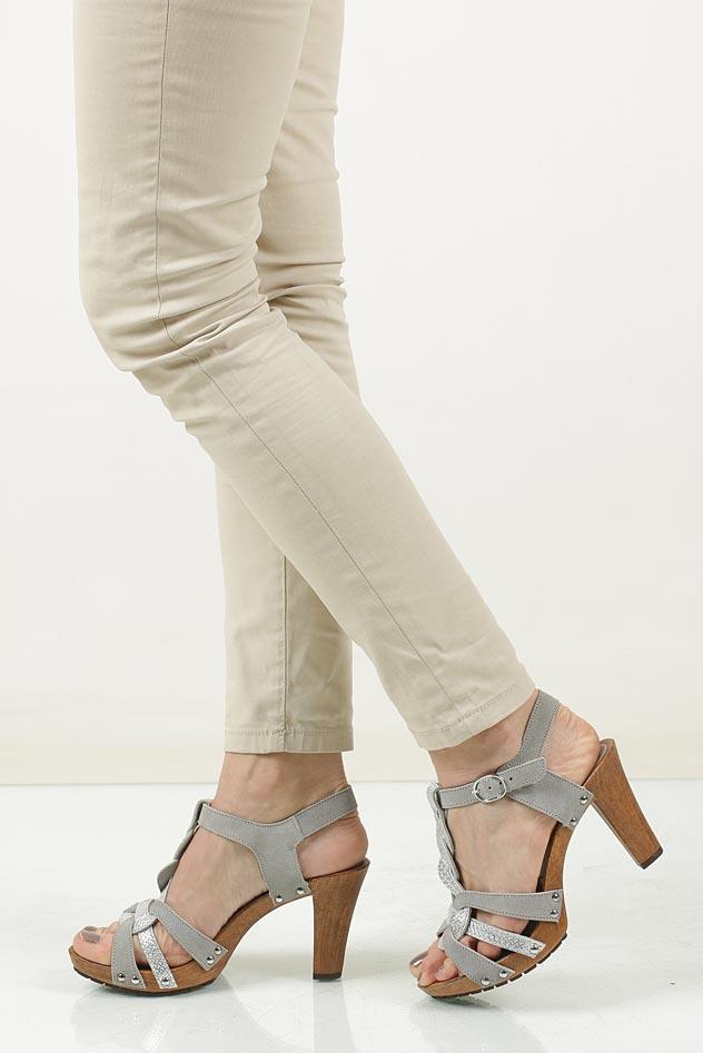 Sandały srebrne skórzane Tamaris 1-28349-28