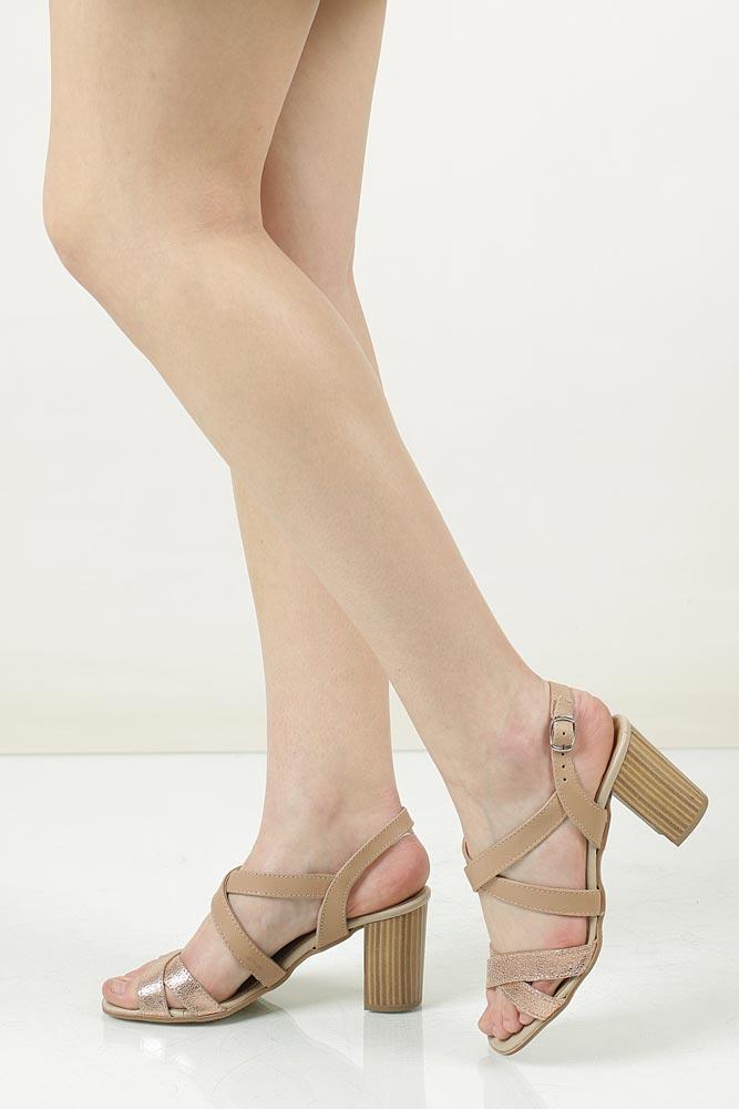 Sandały skórzane na słupku Tamaris 1-28011-38