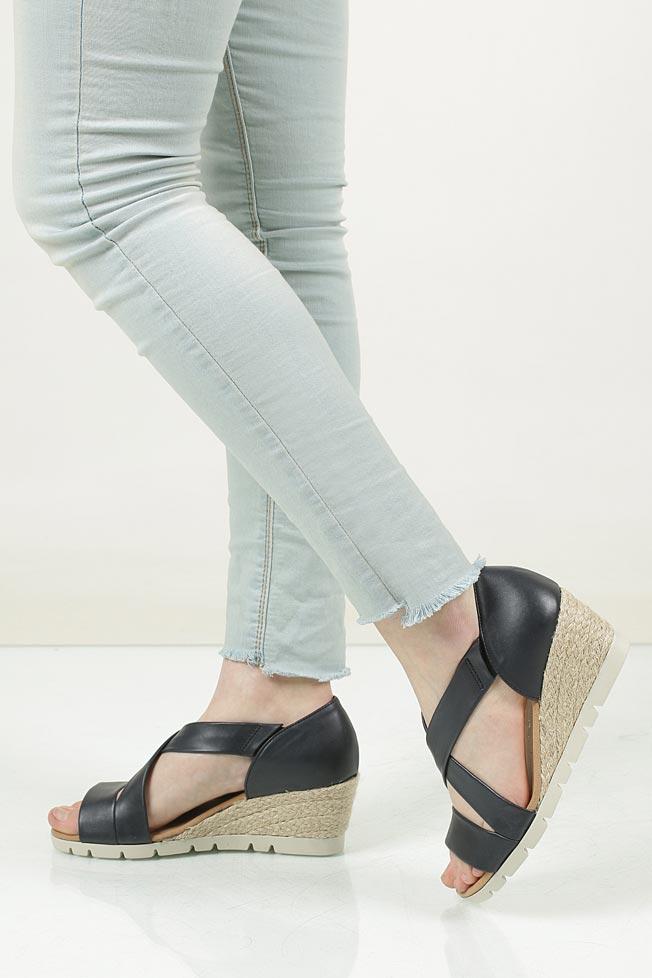Sandały skórzane Gabor 62.853 model 62.853.56