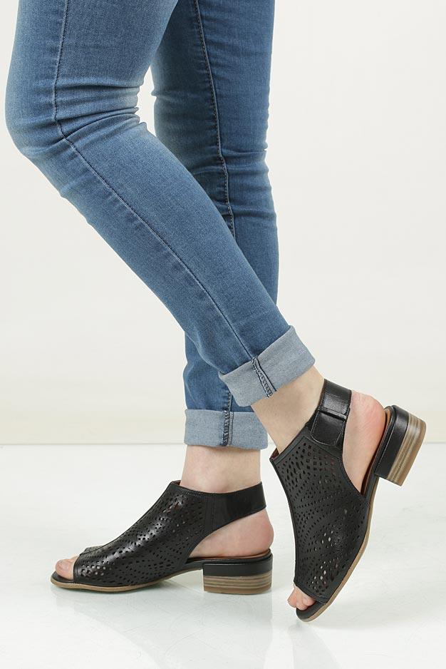 Sandały skórzane Tamaris 1-28217-28