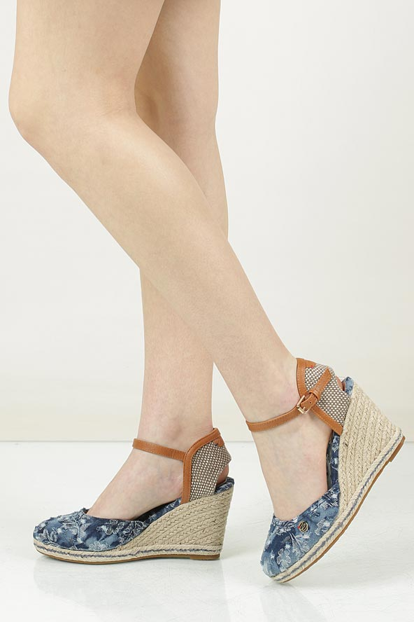 Sandały na koturnie Wrangler Brava WL171610