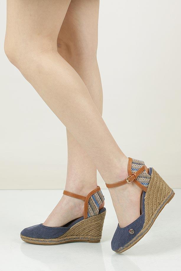 Sandały na koturnie Wrangler WL171610