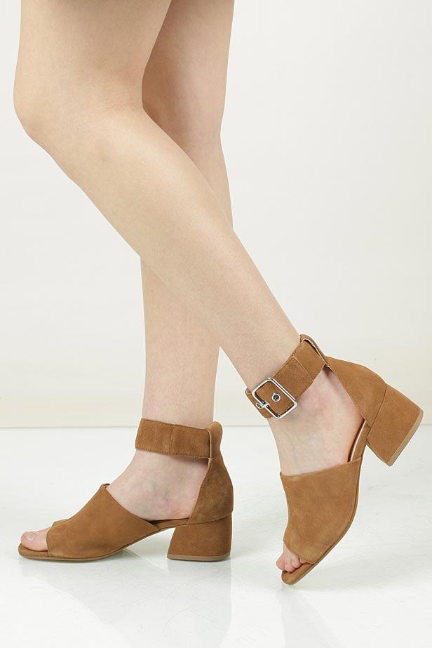 Sandały zamszowe na słupku Vagabond 4335-101