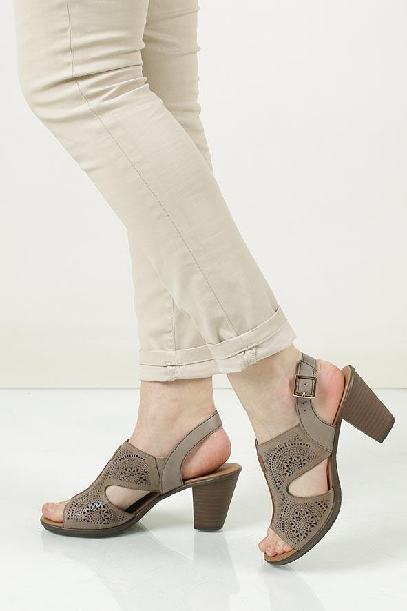 Sandały ażurowe Rieker 64151-62