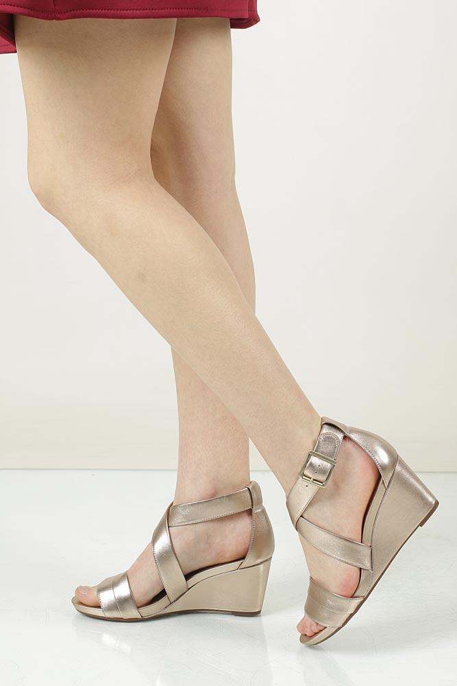 Damskie Sandały skórzane na koturnie Clarks Acina Newport 26125768 złoty;;