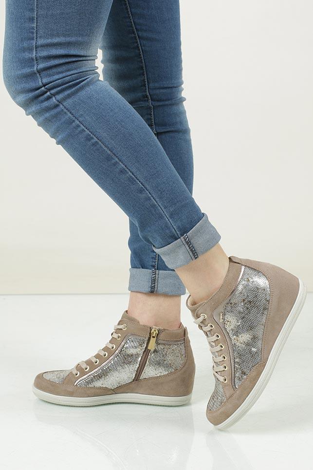 Sneakersy zamszowe na koturnie Igi&Co 7782
