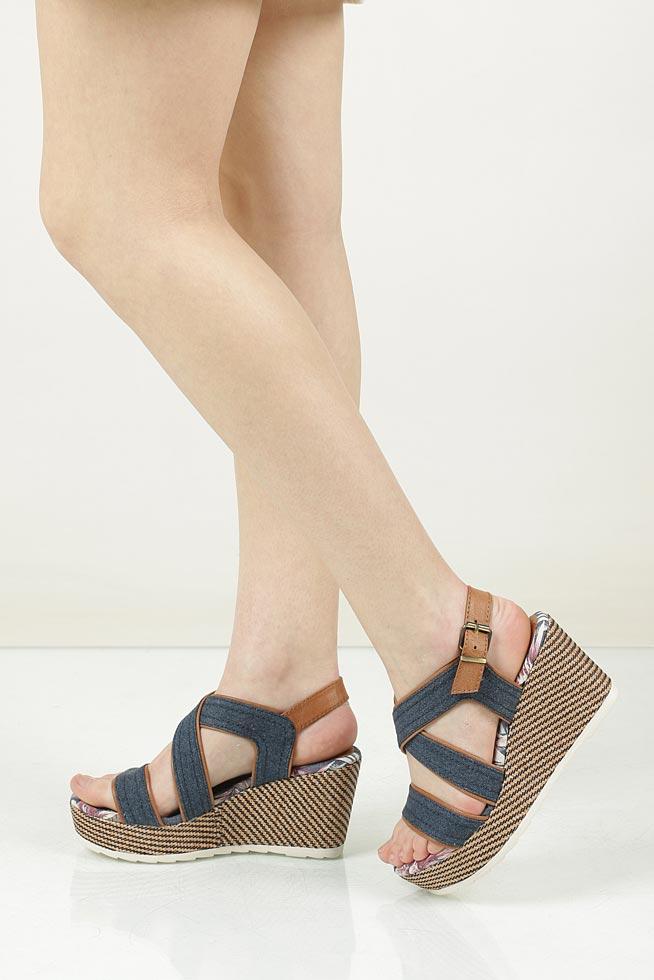Sandały na koturnie Marco Tozzi 2-28389-38 niebieski
