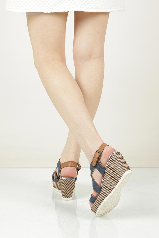 Sandały na koturnie Marco Tozzi 2-28389-38 wnetrze materiał