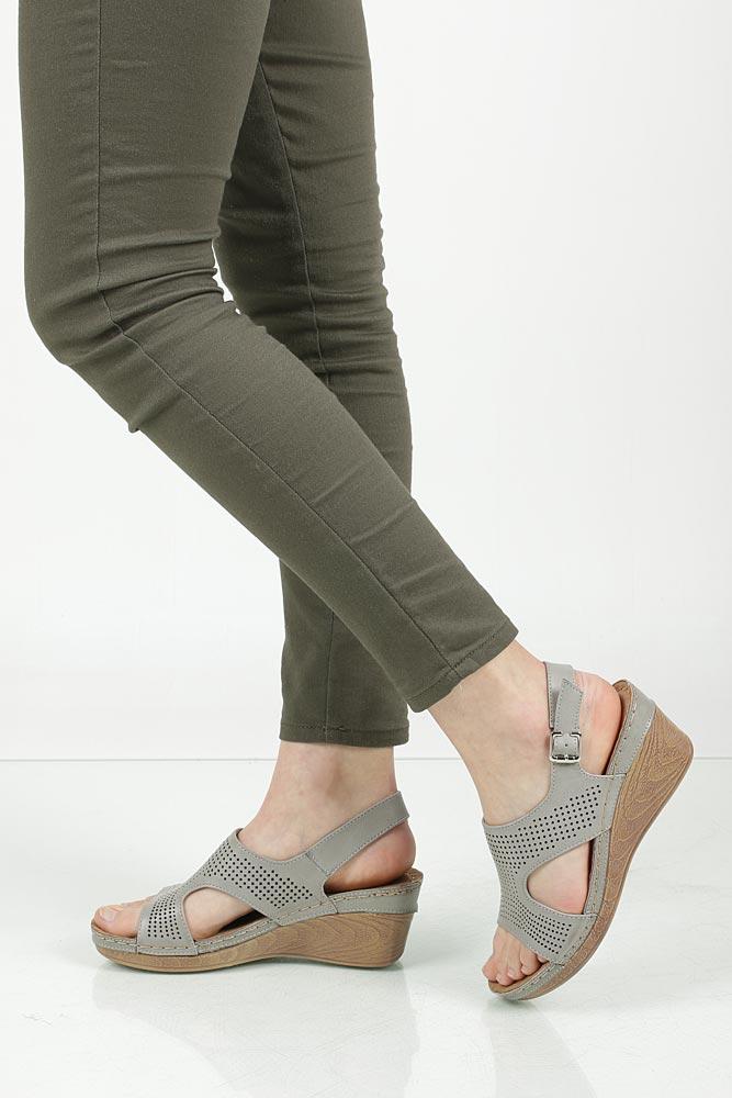 Sandały na koturnie Jezzi 98SD76362