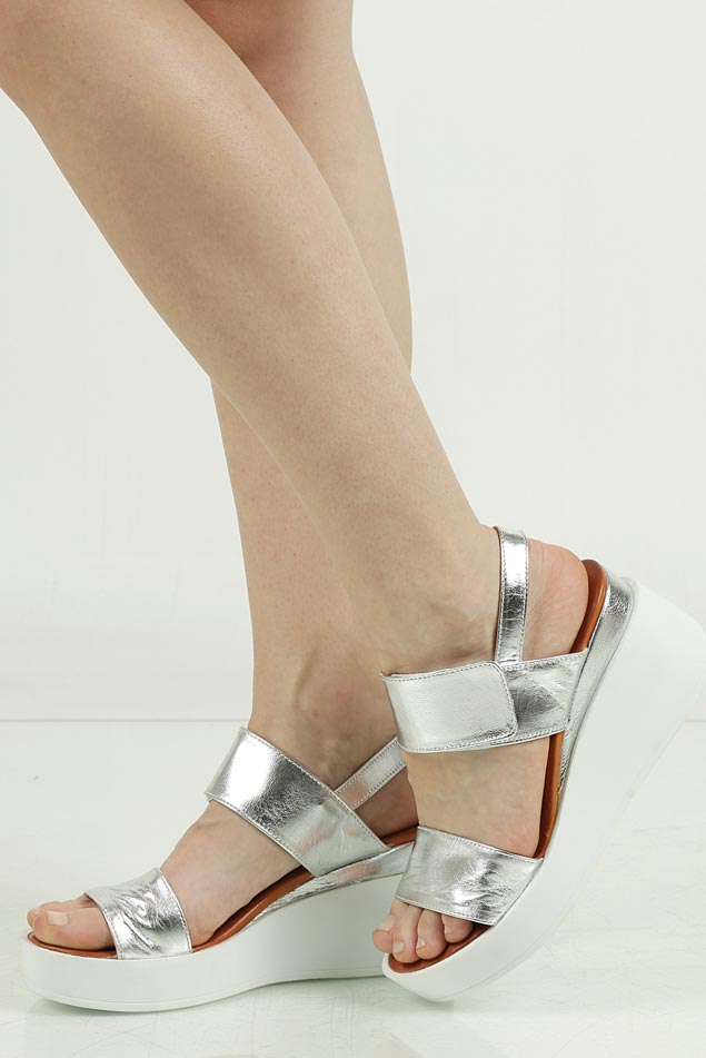 Sandały skórzane na koturnie Casu PAMELA03