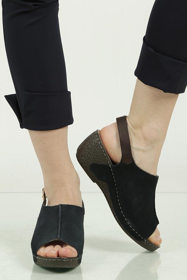 Sandały zamszowe na koturnie Rieker 65660 wierzch skóra naturalna - zamsz
