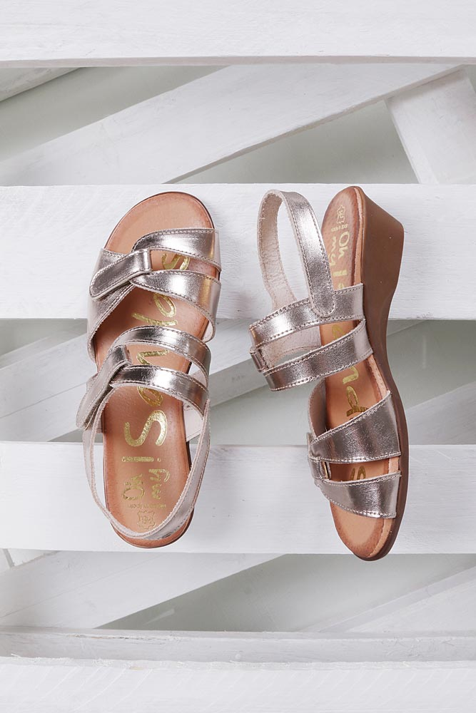 Sandały skórzane na koturnie Oh My Sandals 3461