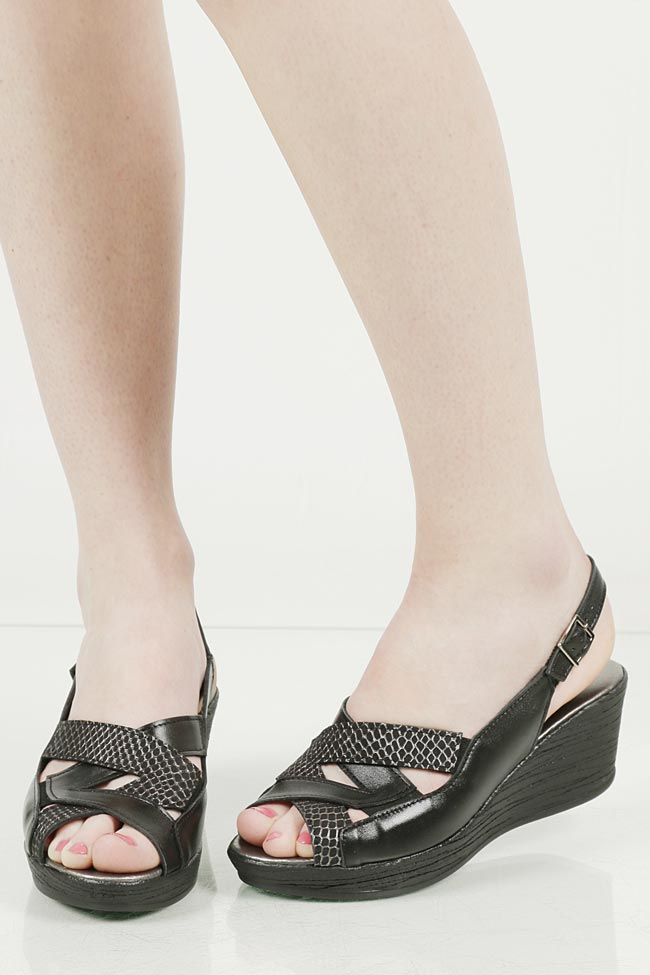 Sandały na koturnie Casu 278