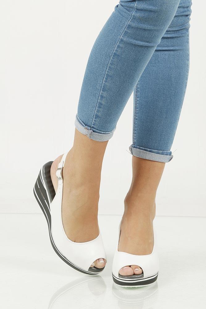 Sandały na koturnie Jezzi DA17-2