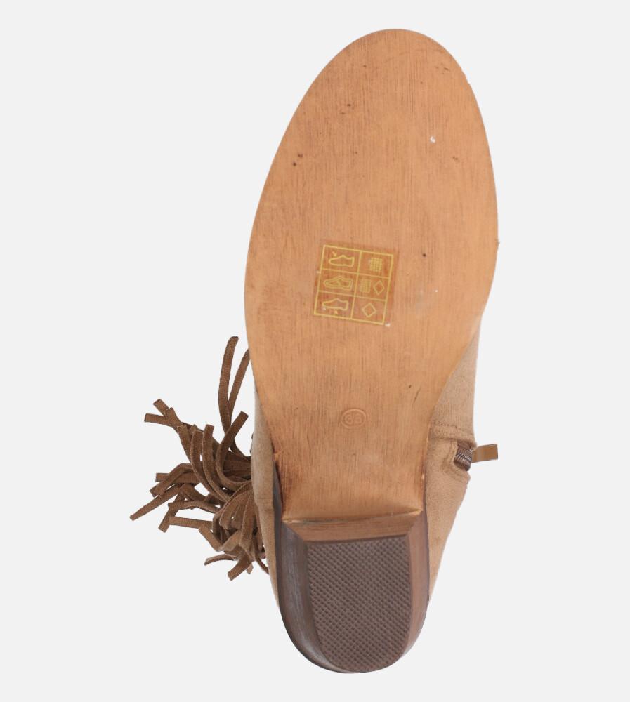 Beżowe botki kowbojki z frędzlami na niskim obcasie Casu D20X24/DB kolor beżowy