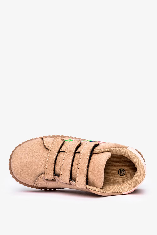 Beżowe buty sportowe na rzepy z haftowanym kwiatkiem Casu 666-27
