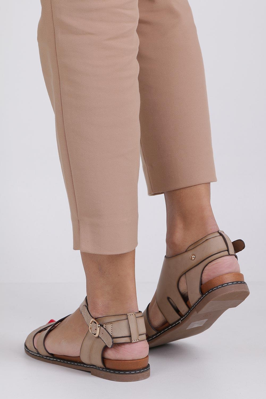 Beżowe lekkie sandały płaskie z błyszczącym paskiem Casu K19X15/T wysokosc_obcasa 2.5 cm