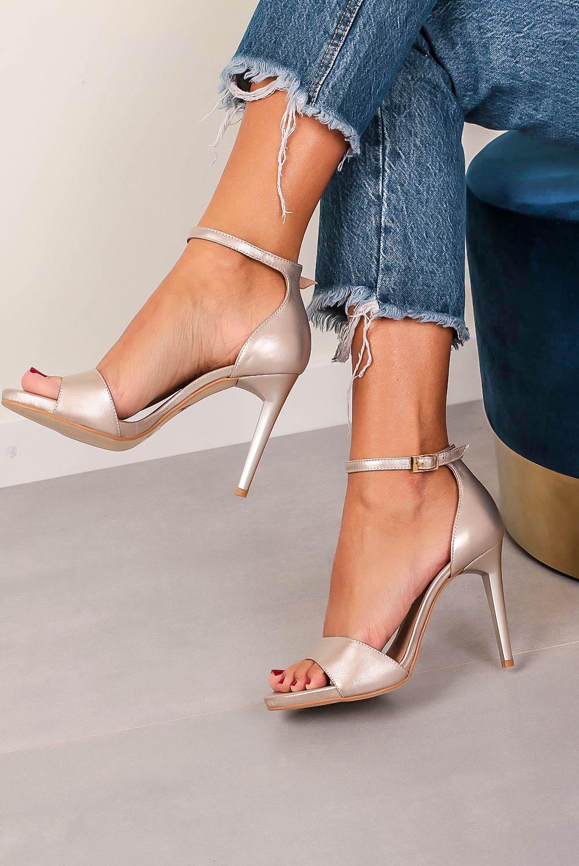 Beżowe sandały Kati perłowe na szpilce z paskiem wokół kostki 3073 beżowy