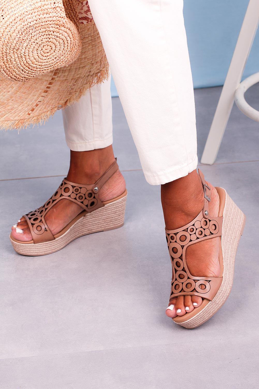 Beżowe sandały Maciejka skórzane ażurowe na koturnie L4705-29/00-0 beżowy