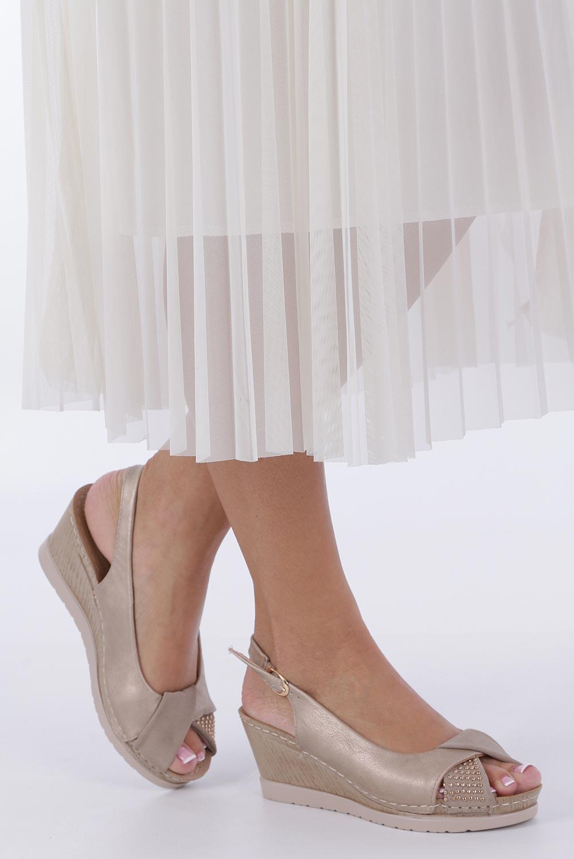 Beżowe sandały na koturnie Casu W19X13/B producent Casu