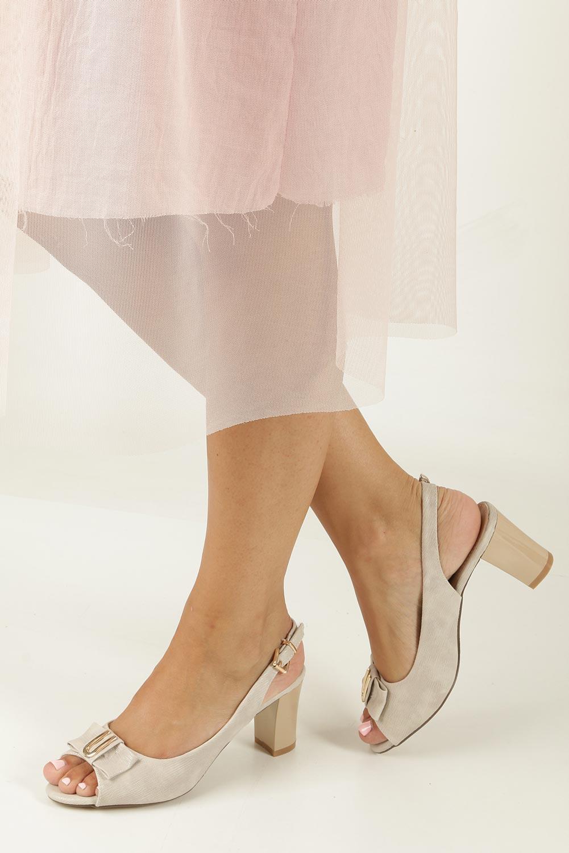 Beżowe sandały na obcasie z kokardką Jezzi 8SD35-0335