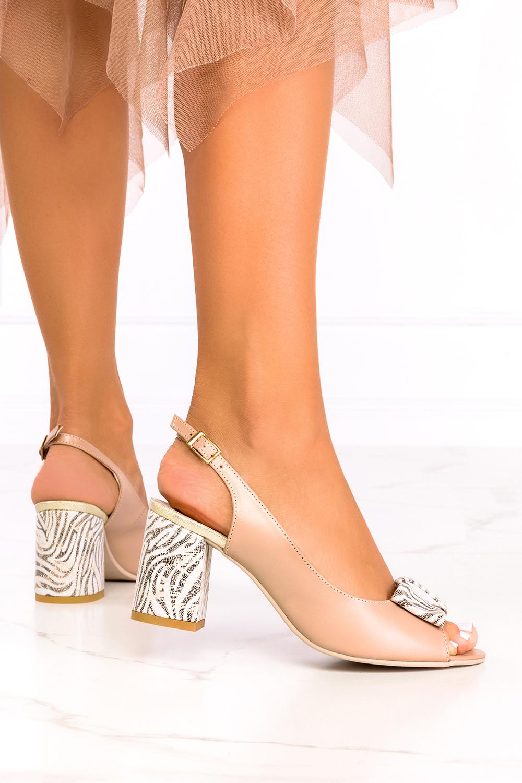 Beżowe sandały na słupku z kokardą polska skóra Casu 1450