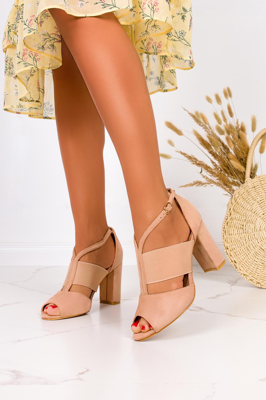 Beżowe sandały na słupku zabudowane z zakrytą piętą Casu ER21X6/BE producent Casu