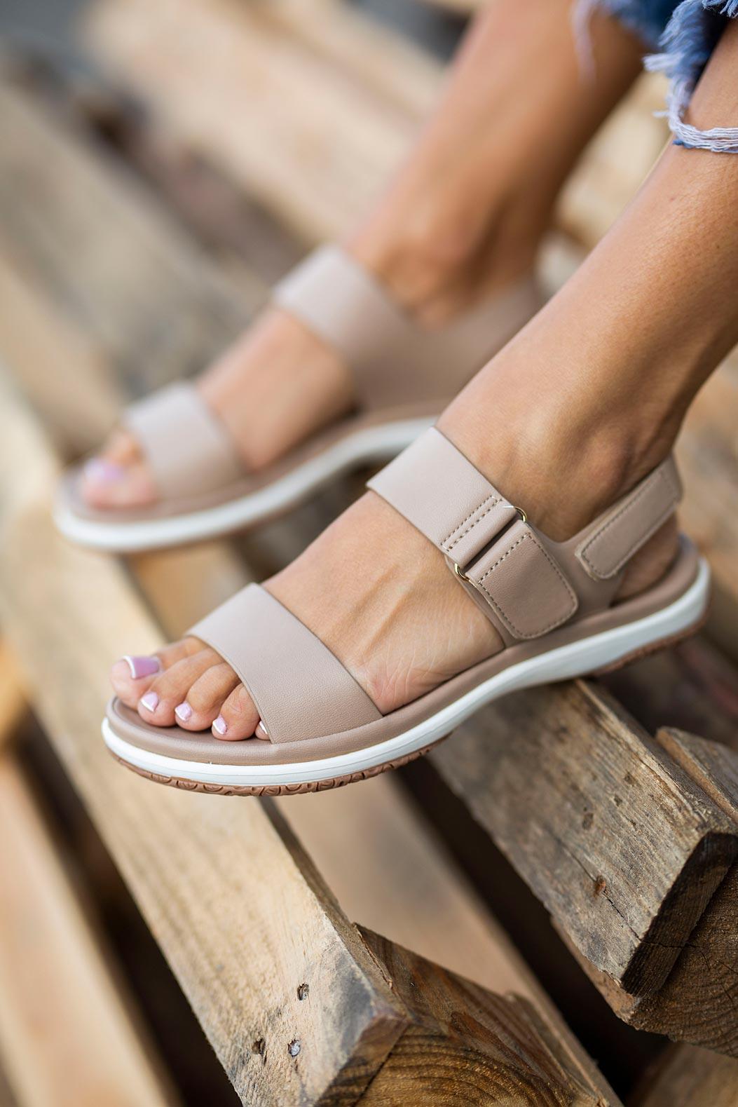Beżowe sandały płaskie na rzepy Casu N20X2/BEE