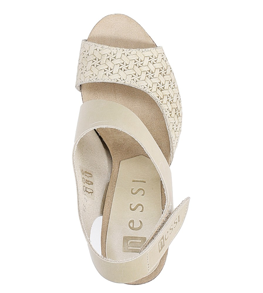 Beżowe sandały skórzane na słupku Nessi 42103 wysokosc_platformy 2 cm