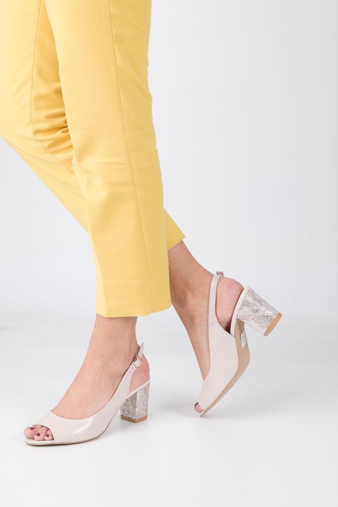 Beżowe sandały skórzane z ozdobnym obcasem Casu CAS003 model 1385O/595-684
