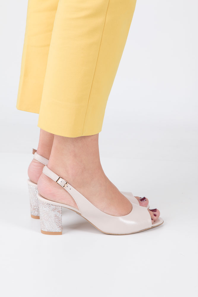 Beżowe sandały skórzane z ozdobnym obcasem Casu CAS003 wierzch skóra naturalna - licowa