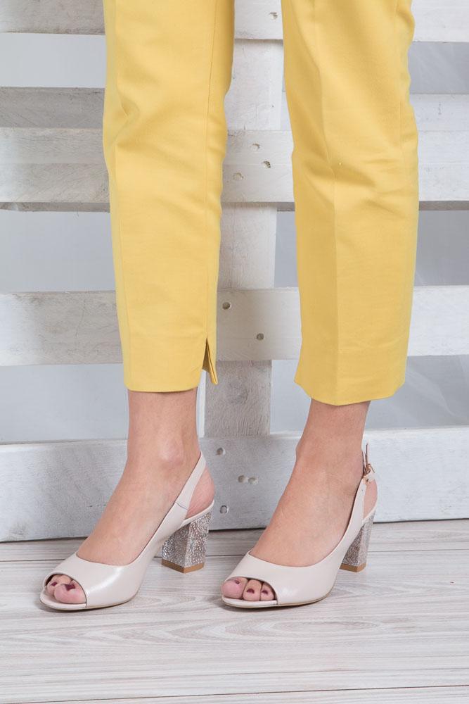 Beżowe sandały skórzane z ozdobnym obcasem Casu CAS003 wkladka skóra
