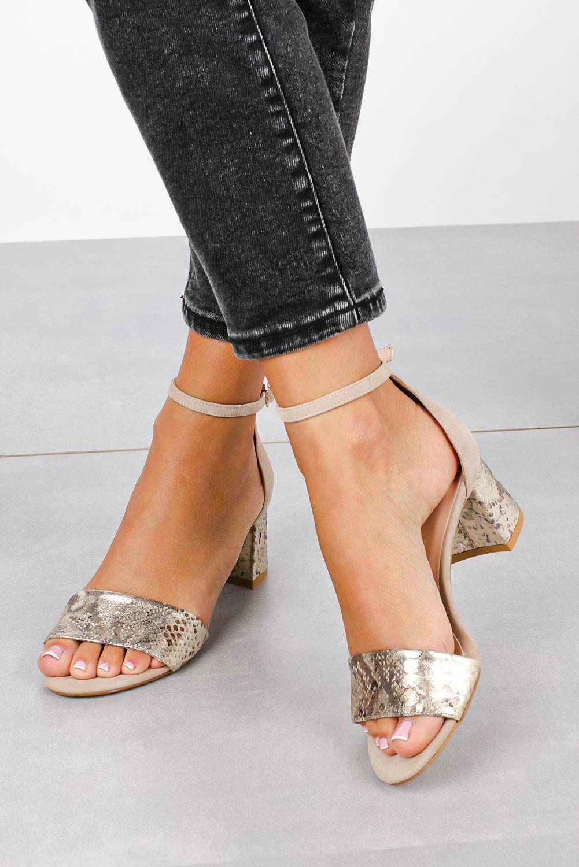 Beżowe sandały skórzane z paskiem wokół kostki na szerokim ozdobnym słupku Casu DS-252/A kolor beżowy, złoty