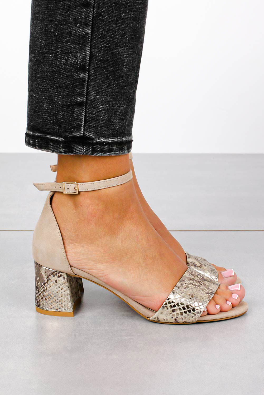 Beżowe sandały skórzane z paskiem wokół kostki na szerokim ozdobnym słupku Casu DS-252/A wysokosc_obcasa 5.5 cm