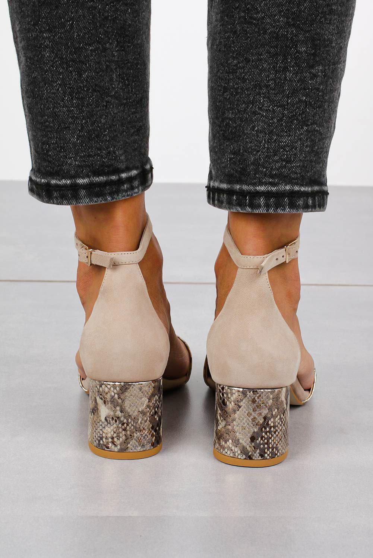 Beżowe sandały skórzane z paskiem wokół kostki na szerokim ozdobnym słupku Casu DS-252/A wysokosc_platformy 0.5 cm