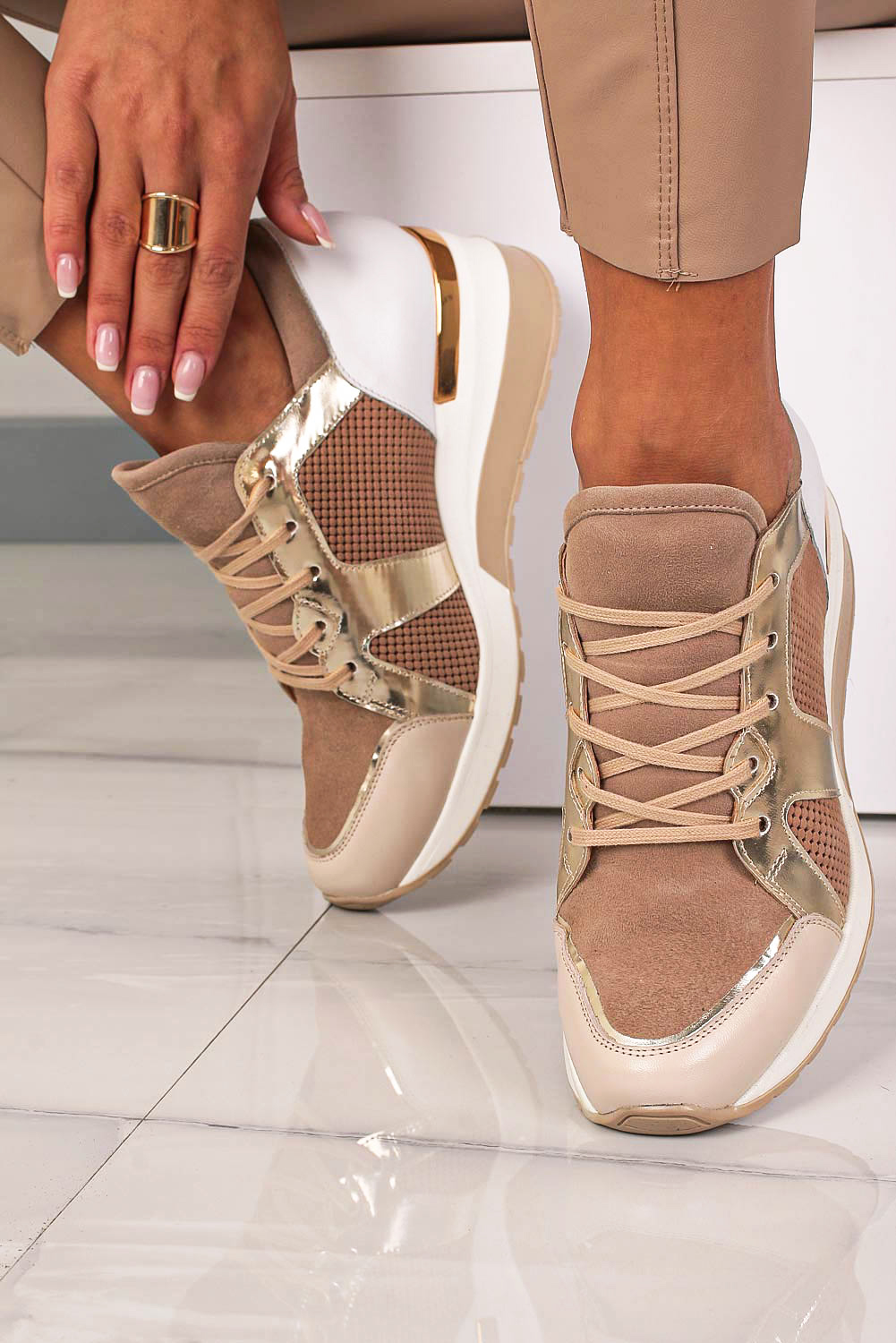 Beżowe sneakersy Kati buty sportowe sznurowane 7023 beżowy