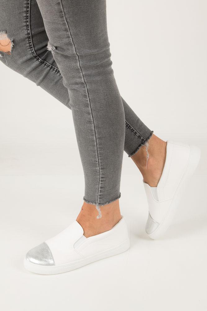 Białe buty slip on Casu DD472-2