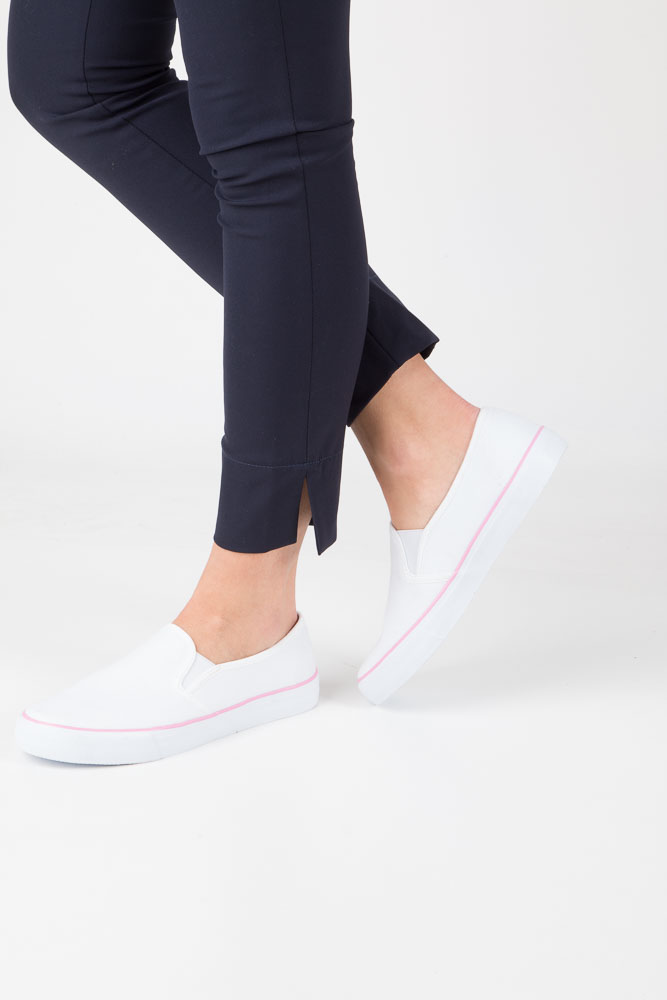 Białe buty slip on Mckey DTN127/16WH