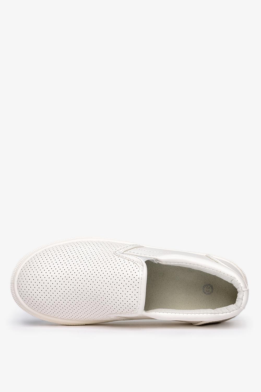 Białe buty sportowe slip on ażurowe Casu 29371